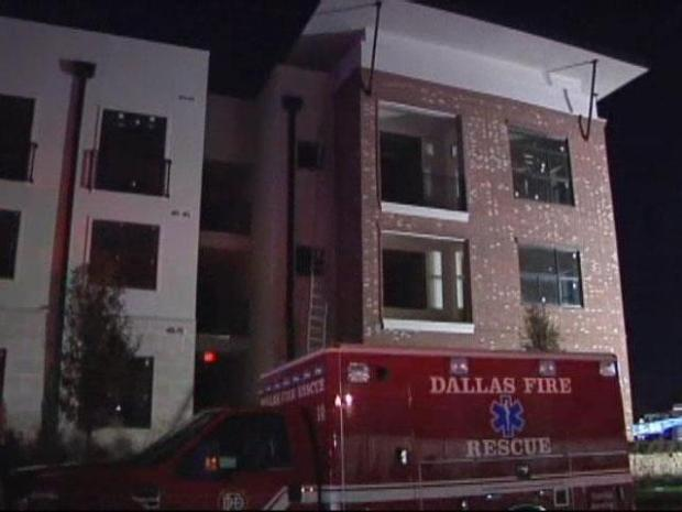 [DFW] Firefighters Injured Battling Dallas Apt. Fire