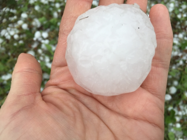 [DFW]Large Hail Damages Wylie School