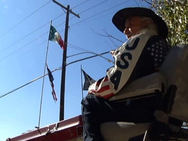 [DFW] Dallas Man's Flag Protest Draws Anger