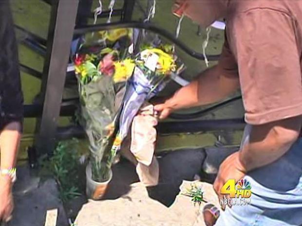 [LA] Friends, Family Set Up Memorial for Slain Woman