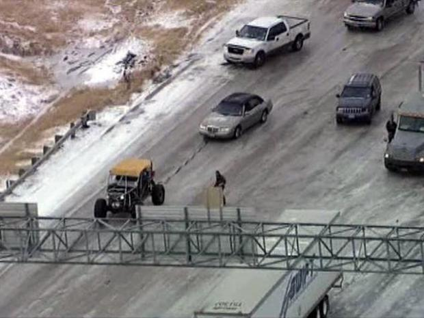 [DFW] Homemade Rock Crawler Frees Cars on Icy Loop 12