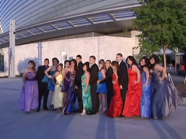 [DFW] Prom Takes Center Stage at Cowboys Stadium