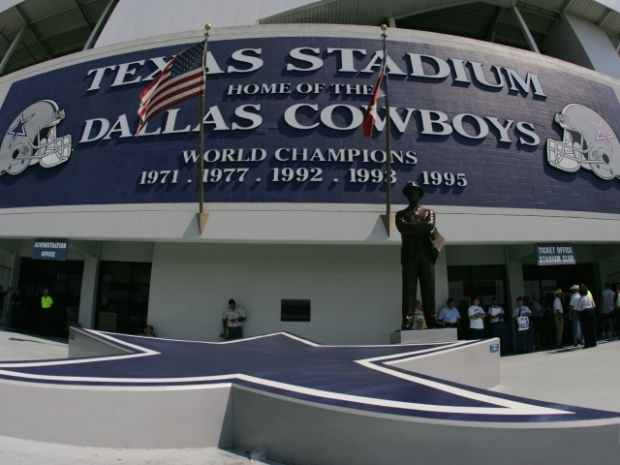 Texas Stadium Implosion by the Numbers