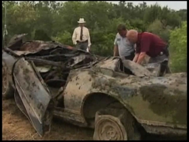 [DFW] Drought Reveals Stolen Car Graveyard