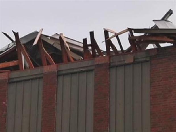 [DFW] Tornado Damages Corsicana School