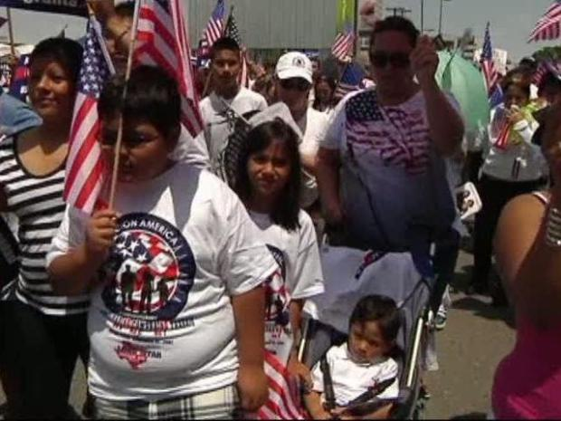 [DFW] Immigrant Family Marches to Stay United