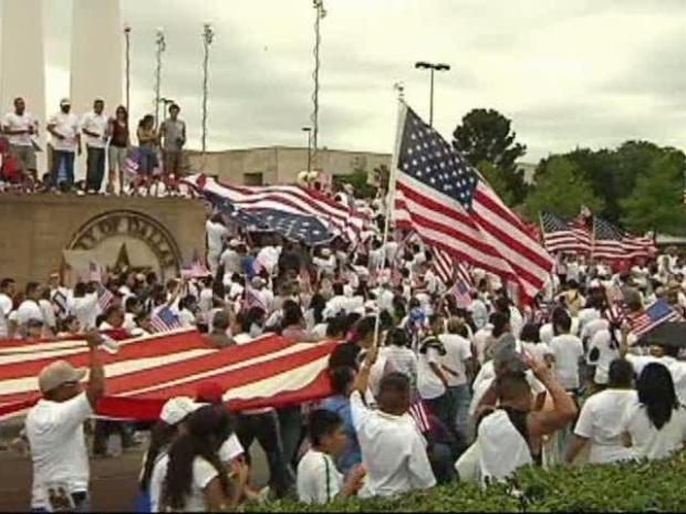 [DFW] Thousands Rally in Dallas for Immigration Reform