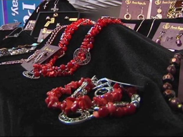 [DFW] Jewelry Convention Means Big Bucks for Cowtown