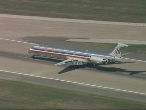 [DFW] AA 1913 Makes Emergency Landing