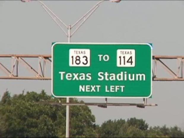 [DFW] Stadium Signs Cause Confusion