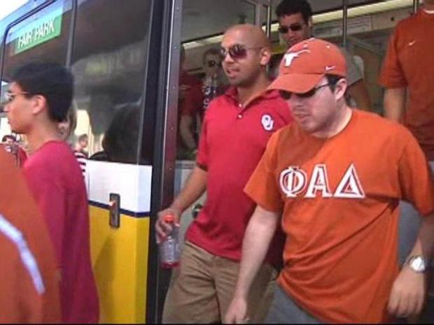 [DFW] TX-OU Fans Give DART a Thumbs Up