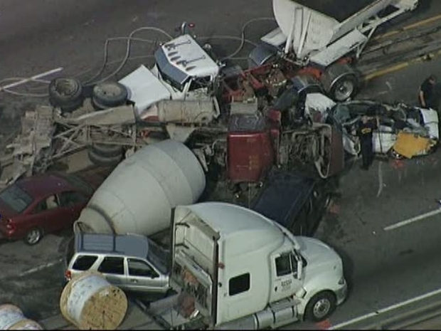 [DFW] Crash Closes I-30 in Dallas