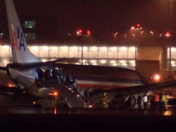 [DFW] RAW VIDEO: AA Plane Slips Off Runway After Landing