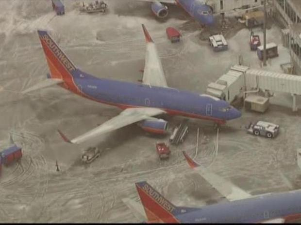 [DFW] Flights Canceled, Delayed by Winter Storm