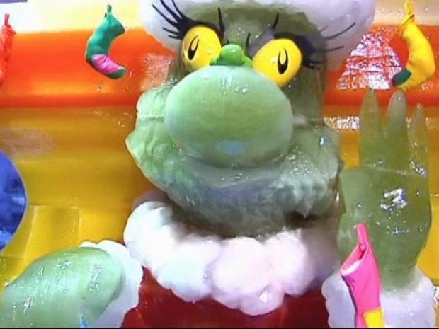 [DFW] Gaylord Texan Puts 'The Grinch' On Ice