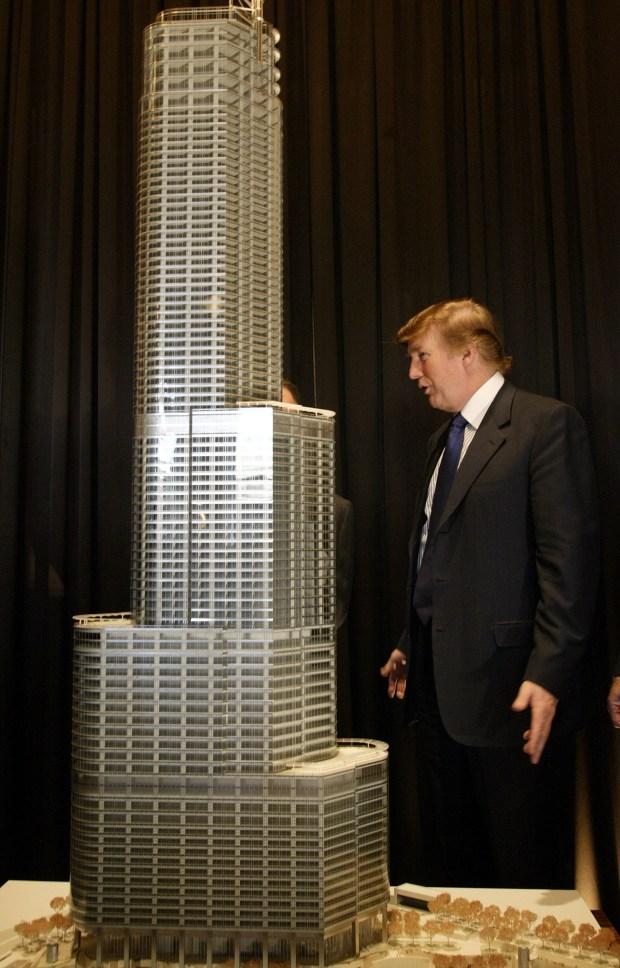 Trump Tower Rises in Chicago