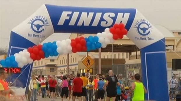 [DFW] Thousands Take to the Streets for Cowtown 2011