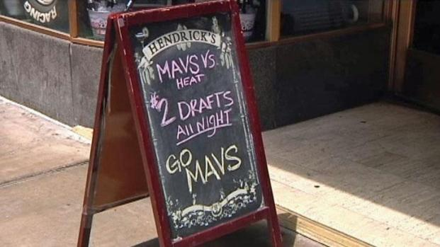 [DFW] Mavs Mania Takes Over Happy Hour