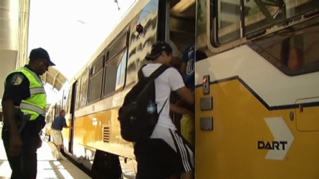 [DFW] DART Tried to Keep Fans Moving