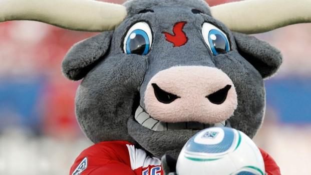 FC Dallas Ties Chicago Fire in Season Opener