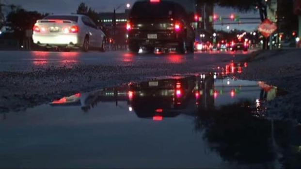 [DFW] Rain, Snow Disrupting Travel Plans