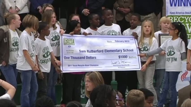 [DFW] Elementary School Wins Recycling Competition