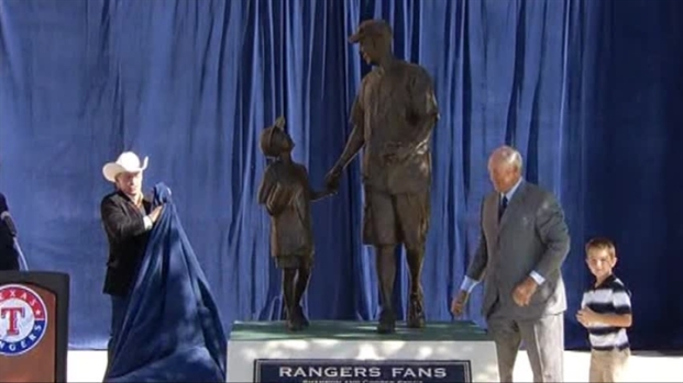 [DFW] Raw Video: Rangers Unveil Shannon Stone Statue