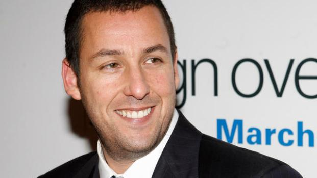 [NATL] Adam Sandler Pulls Double Duty For 'Jack & Jill' Premiere