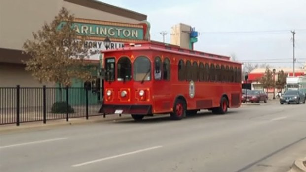 [DFW] Arlington Trolley Heads Downtown