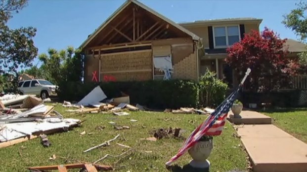 [DFW] Arlington Residents See Damage First Hand