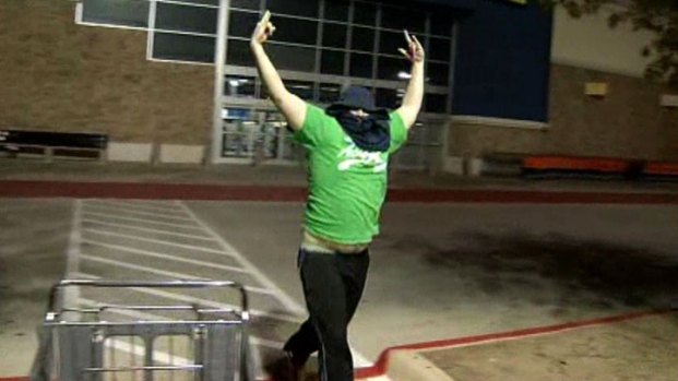 [DFW] Caught on Camera: Prankster Urinates on Black Friday Campers