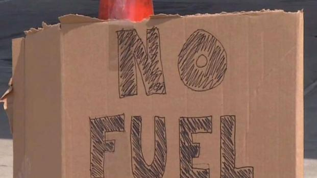 [DFW] Run on Gas Leads to Long Lines, Headaches in North Texas