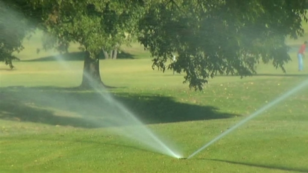 [DFW] Golf Course Stays Green Despite Water Restrictions
