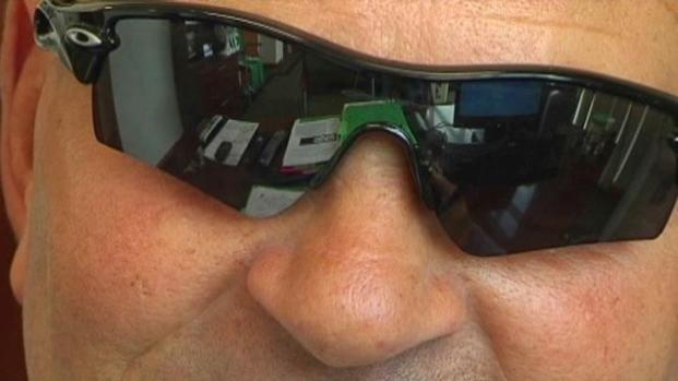 [DFW] UNT Coach's Sunglasses Inspires Students