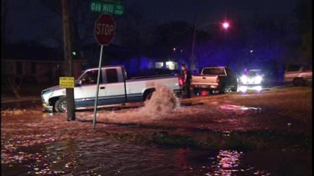 [DFW] Fleeing Driver Causes Flood