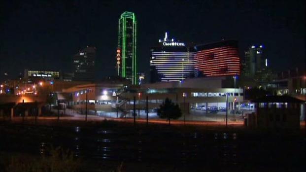 [DFW] Texas-OU Lights Up Downtown