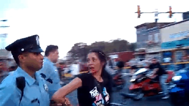 [PHI] Philadelphia Police Officer Hits Woman