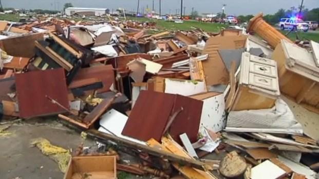 [DFW] EF-3 Tornado Ravages Royse City