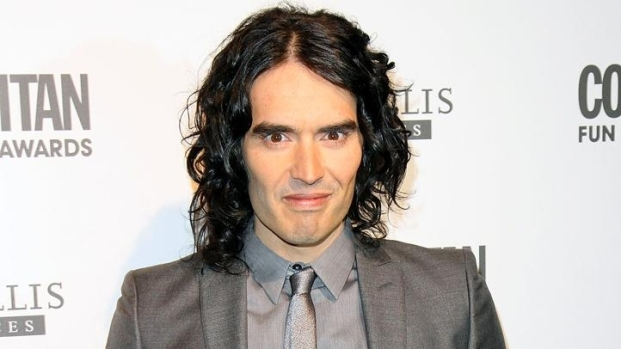 """[NBCAH] Russell Brand On Why He Prefers """"Arthur"""" Over """"Hop"""""""