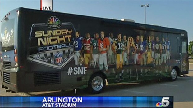 [DFW] Sunday Night Football Bus Comes to Arlington