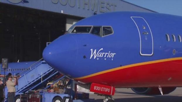 [DFW] Southwest Shows Off First 737-800