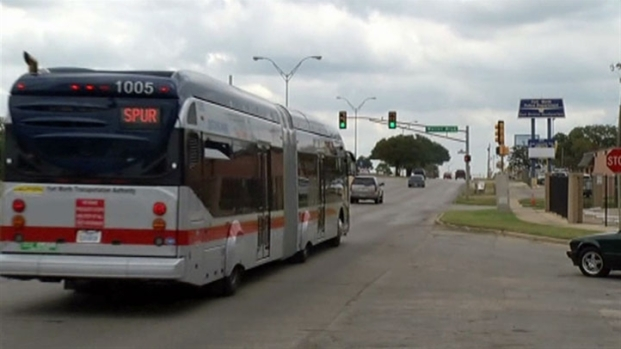 [DFW] New T-Buses Can Change Lights