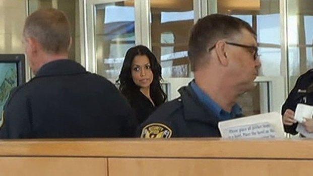 [DFW] Deion Sanders' Girlfriend Called to Testify
