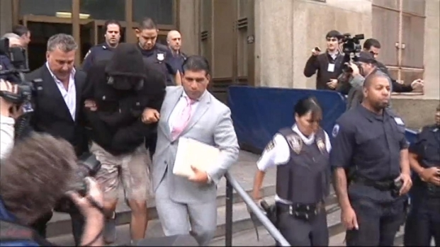[NY] Undercover Cop Leaves Court After Being Charged in Bike Fight