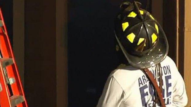 [DFW] Arlington Apartment Fire Rekindles While Residents Inside
