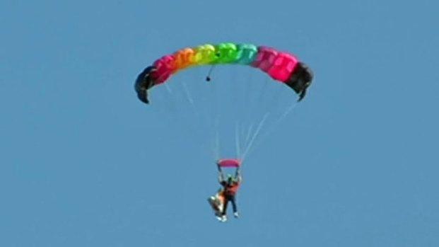 [DFW] Parachuting Into Downtown