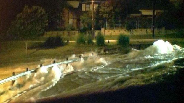 [DFW] Water Main Break Floods Streets