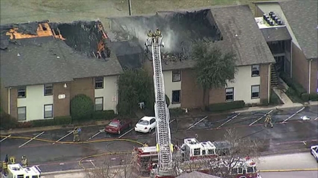 [DFW]RAW VIDEO: Crews Contain Denton Apartment Fire