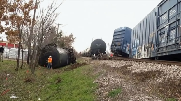 "[DFW] Derailment Witness ""Thought There Was An Explosion"""