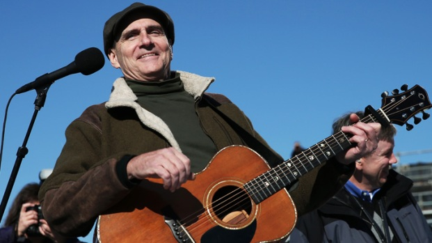 "[NATL] James Taylor Performs ""America the Beautiful"""